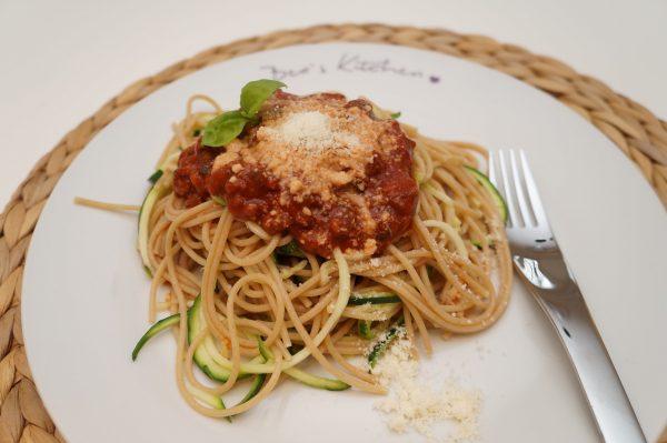 Zucchininudeln Bolognese