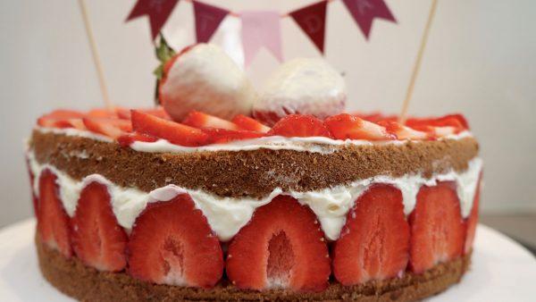 Erdbeer-Milchschnitten-Torte