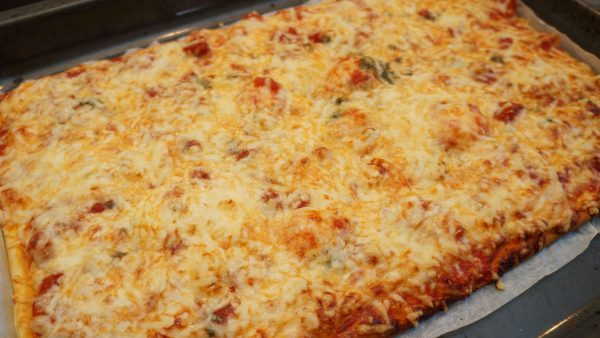 selbstgemachte Pizza Italiano