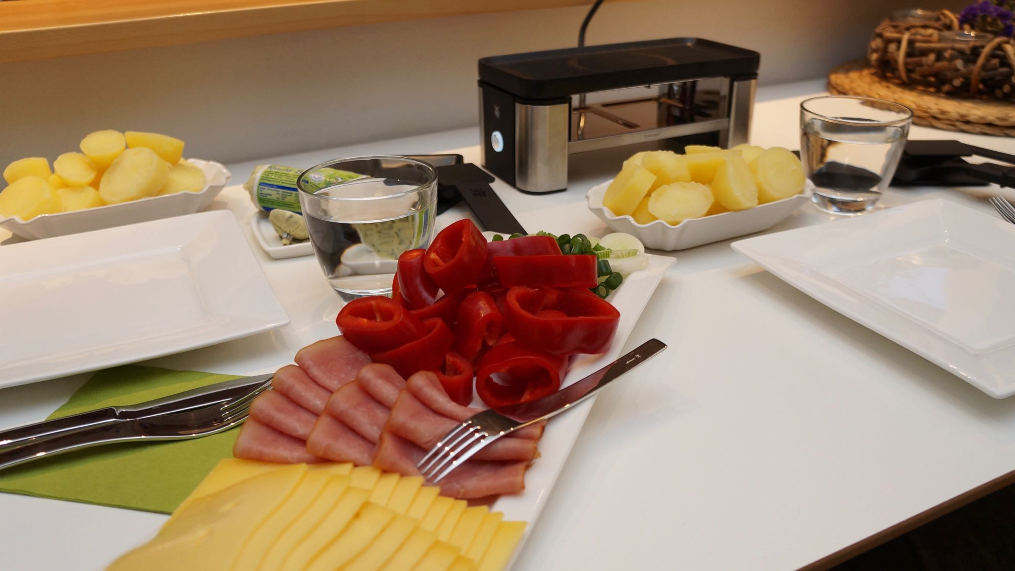 wmf raclette 7 bea 39 s kitchen. Black Bedroom Furniture Sets. Home Design Ideas