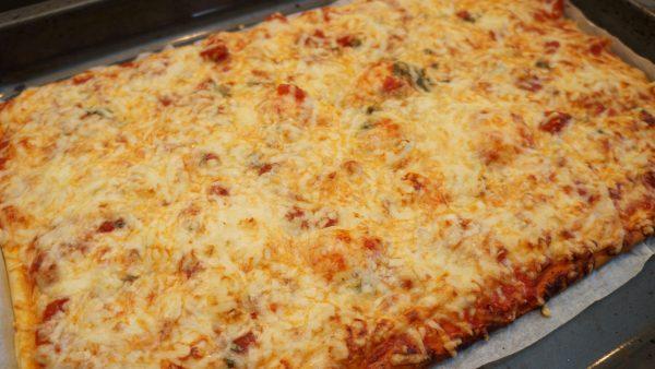 selbstgemachte Pizza Italiano